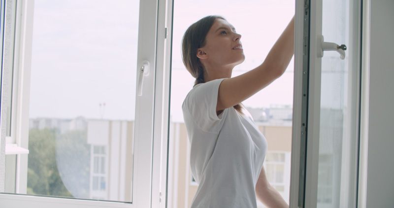 Cleaning Windows Without the Streaks
